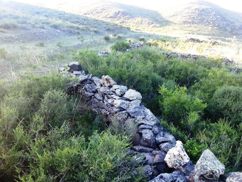 Развалины каменных строений